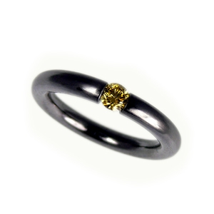 Tantalring mit Brillant, Fancy Yellow