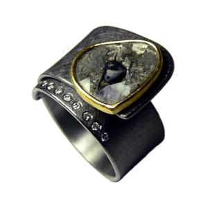 Tantalring mit Gold 900/- Diamantscheibe und Brillanten