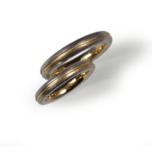 Trauringe Gelbgold 900/- mit Mantel aus Platin 960/-